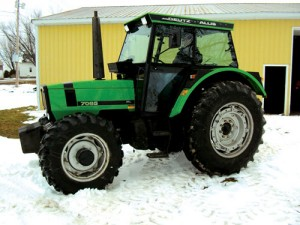 Deutz 7085 sold on a Hudsonville vegetable farm auction