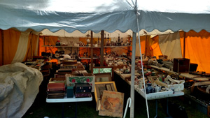 Our auctioneers set-up and sell estates