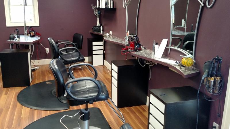 Ada michigan online only auction salon equip vander for Sell salon equipment