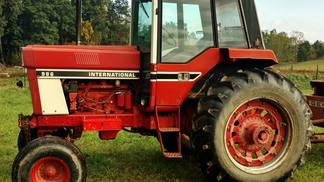 International 986 to be sold at public auction